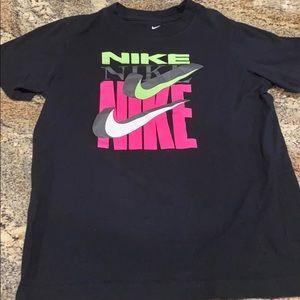 Nike boys small t shirt